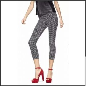 Hue Navy Check Crop Pull On Pants